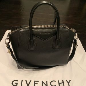 Givenchy antigona black medium